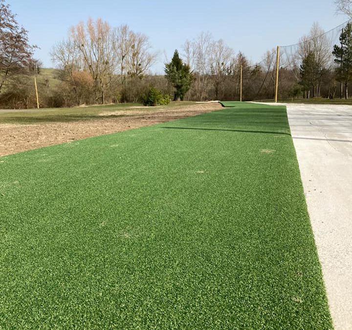 le practice de golf est ouvert